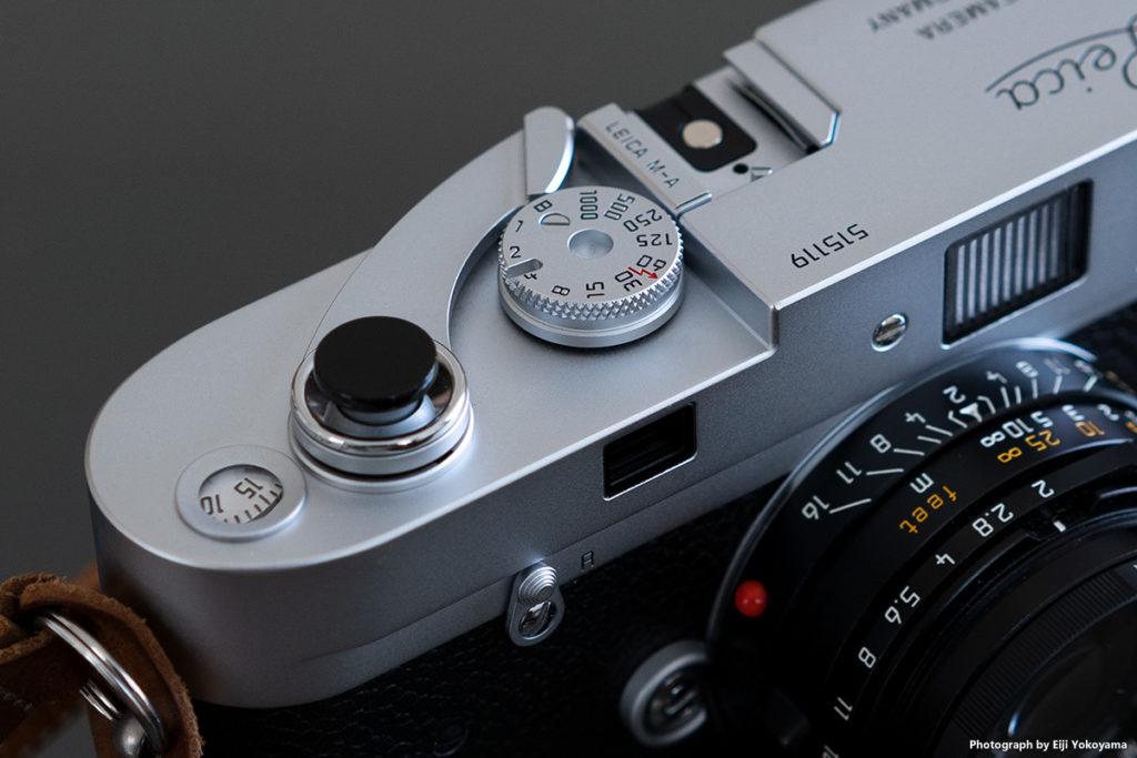 巻き上げレバーはやっぱりコレ。お洒落です。Leica M-A