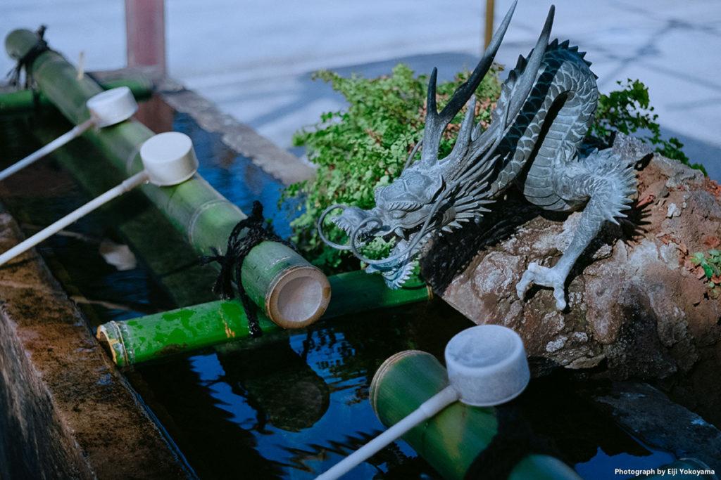 定番、手水舎の龍。Leica M-A