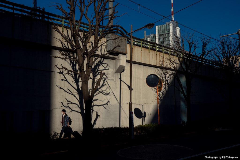 適当に歩いていたら、ちょっと水道橋よりに。JR線路下の風景。