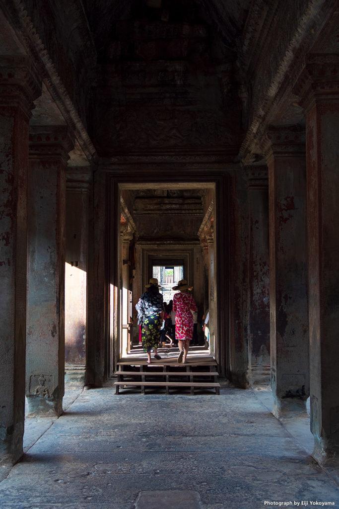 寺院内の回廊。