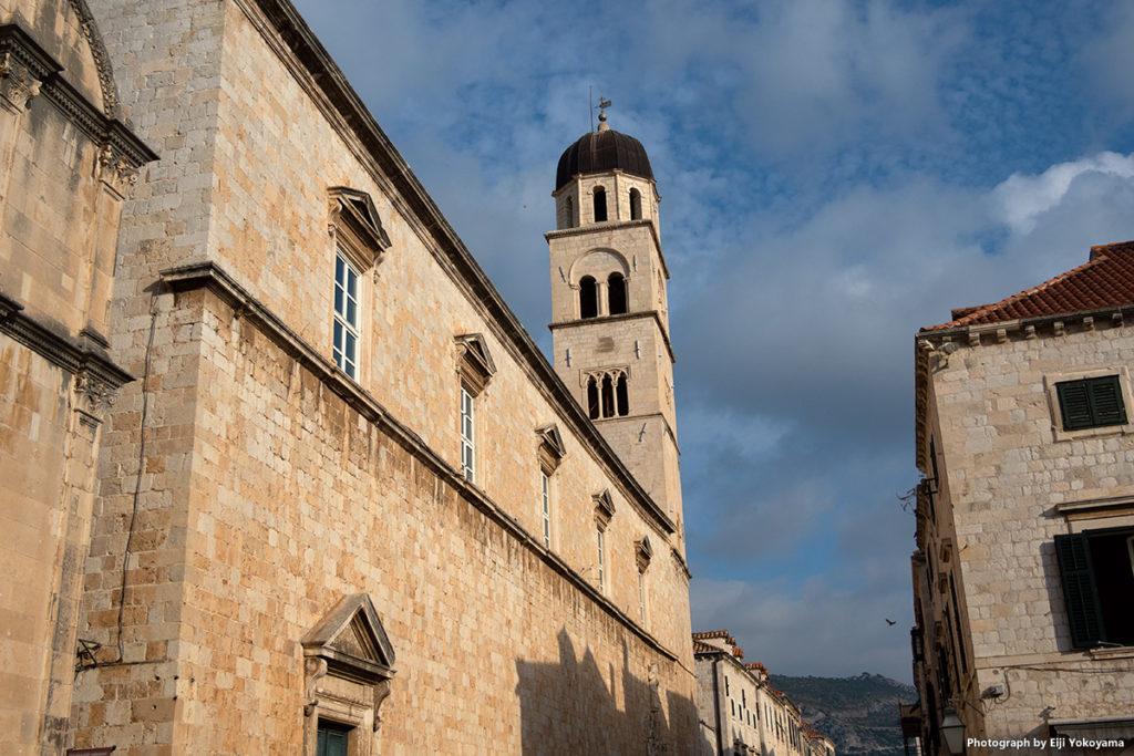 旧市街、フランシスコ会修道院。