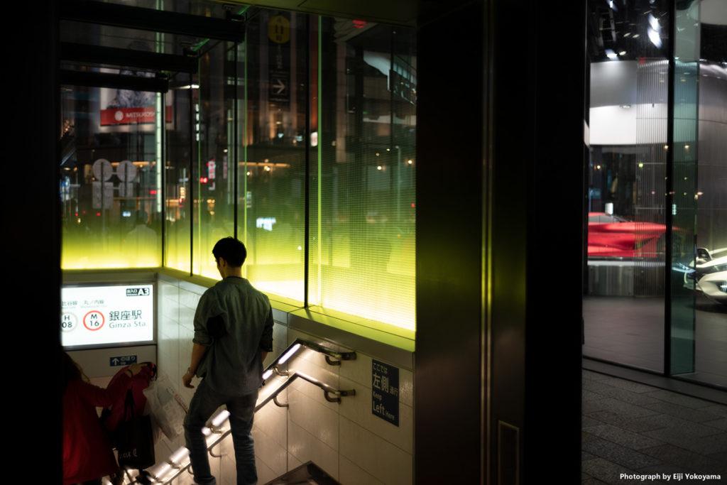銀座、日産ギャラリー前の地下鉄出入口。