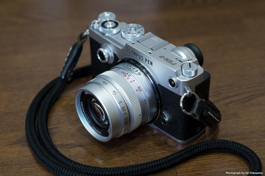 PEN-FにSPEEDMASTER25mmF0.95を装着。