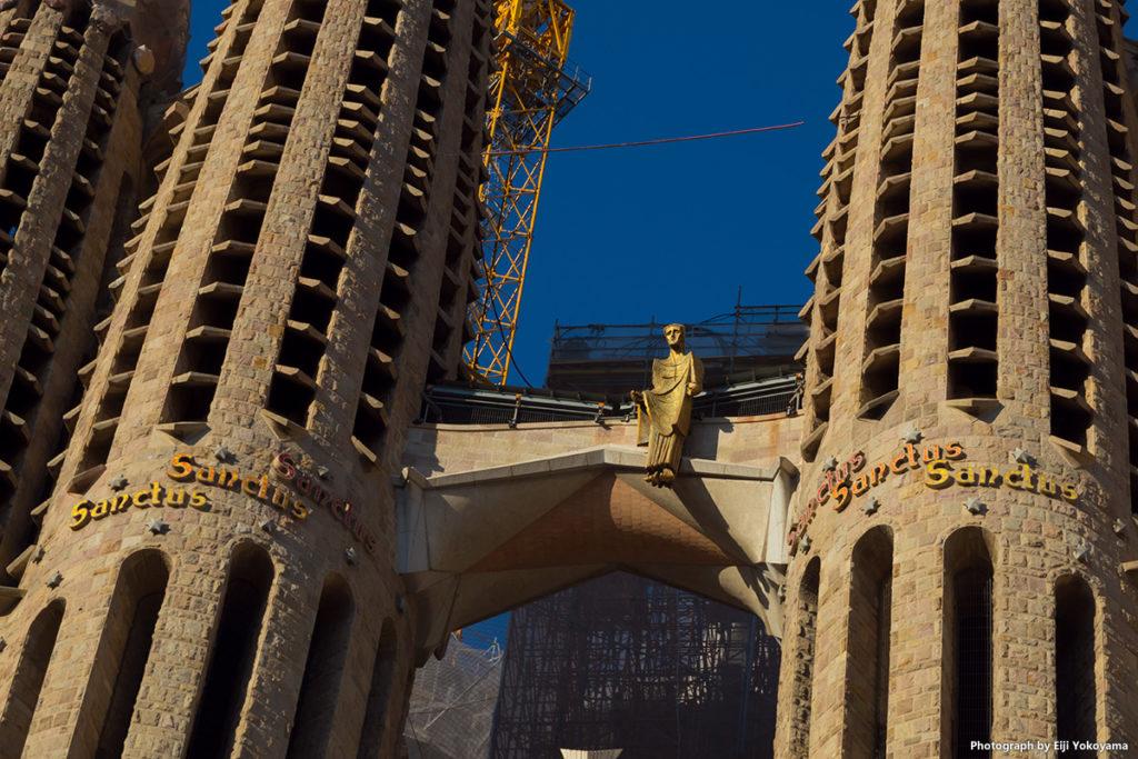 サグラダ・ファミリア、南西側尖塔のアップ。