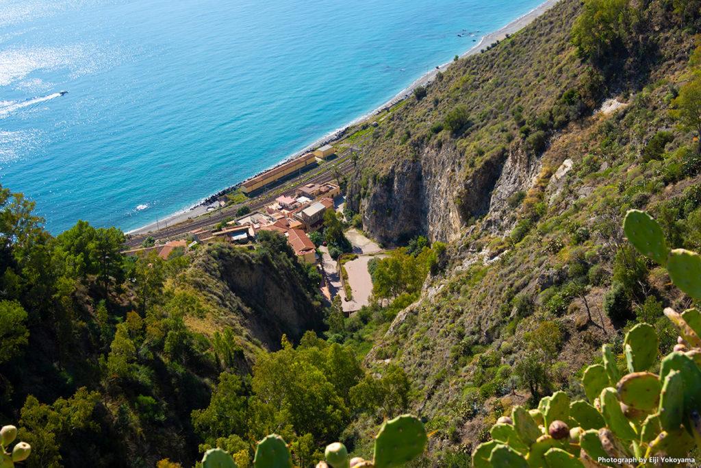 サント・アゴスティーノ広場より、海岸線を見下ろす。