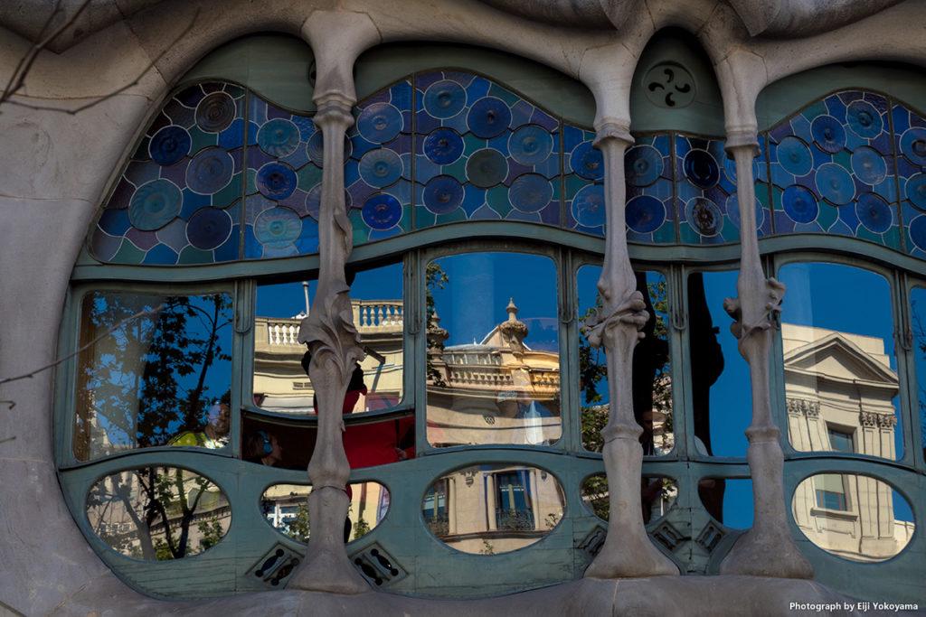 カサ・バトリョの窓。