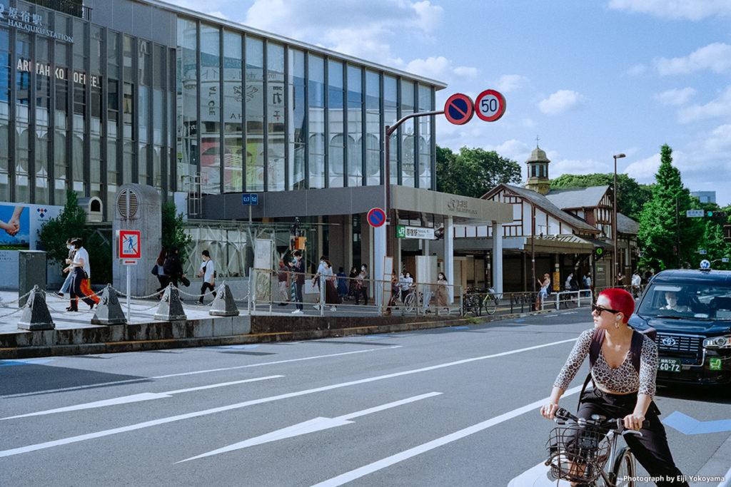 新築成ったJR原宿駅。