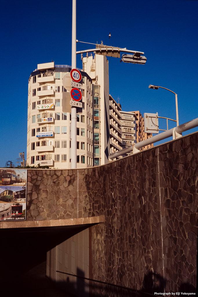 江ノ島、地下通路にて。
