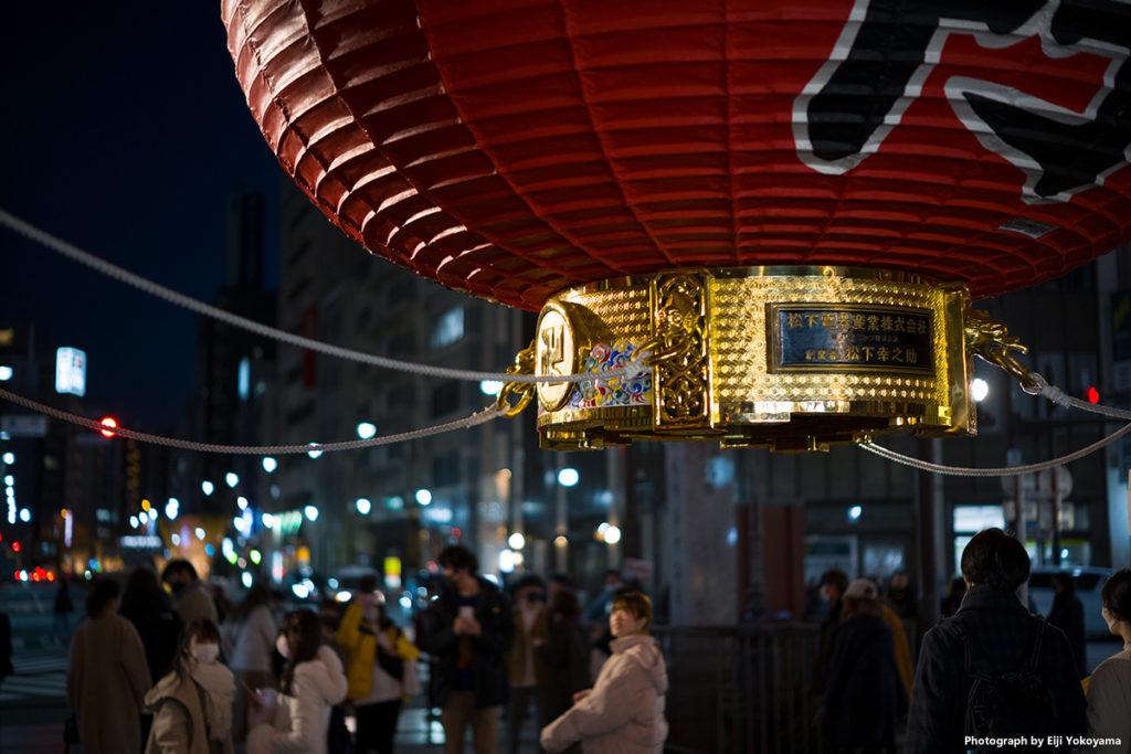 雷門の大提灯。昨年、オリンピックに向けて新調され、とても綺麗です。