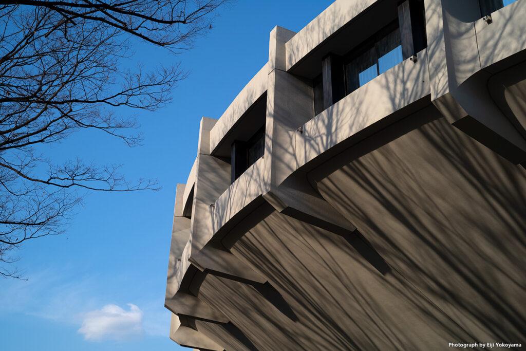 代々木競技場第二体育館。東京オリンピック1964に建造、丹下健三氏の設計。今見てもとてもかっこいいです。