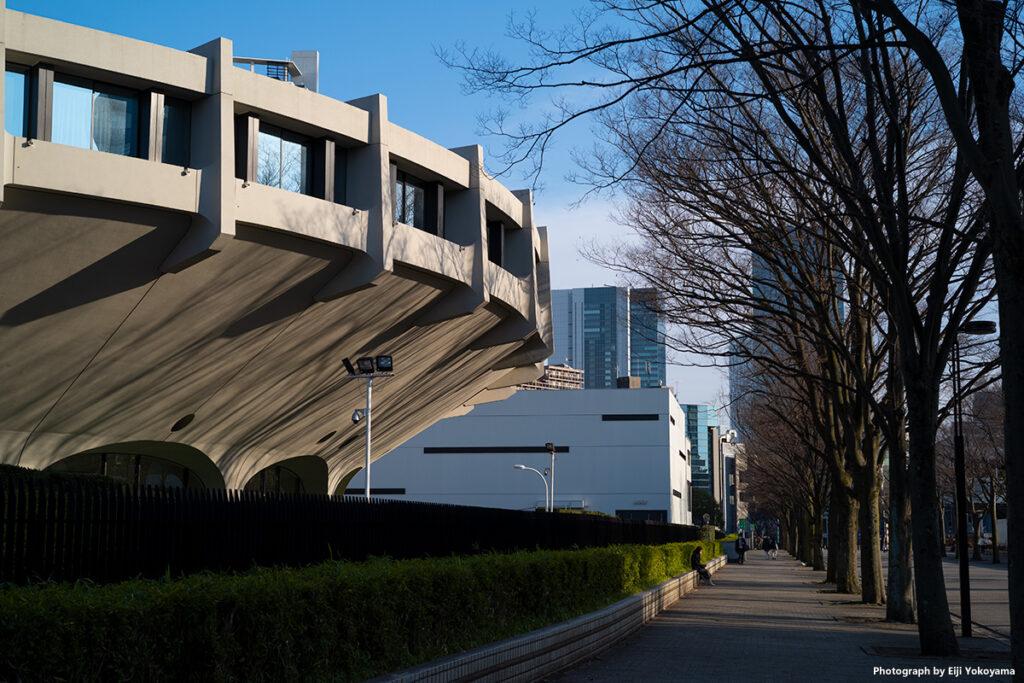 代々木競技場第二体育館横の通り。渋谷方面。