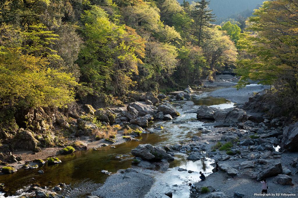 夕刻、秋川渓谷。
